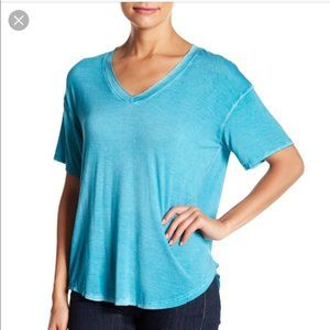 NWT Abound Women TEAL PLUMAGE Washed V-Neck Tee S